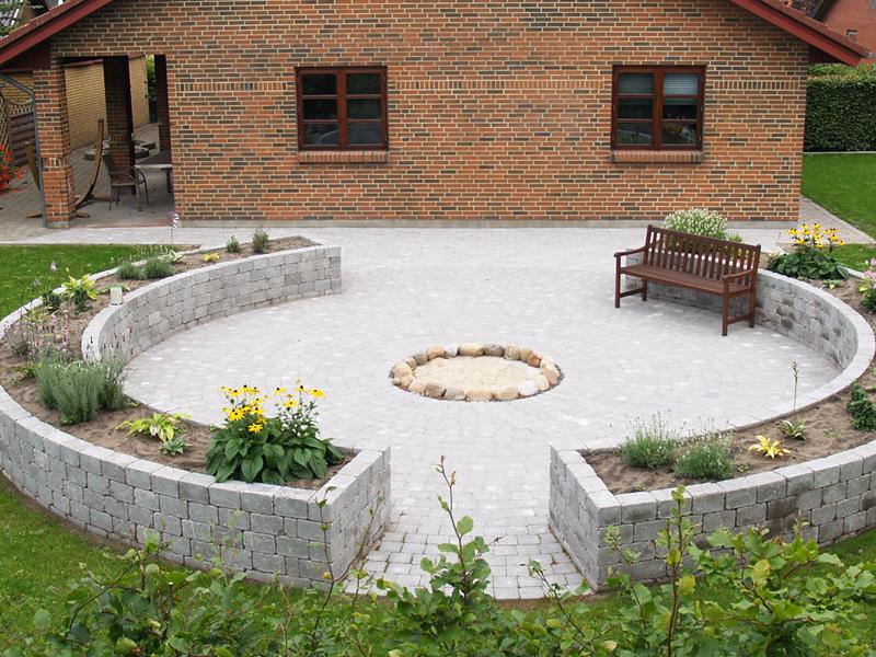 Cirkelsten i haven