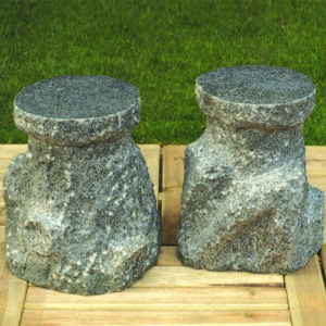 Granitskammel i mørkegrå granit