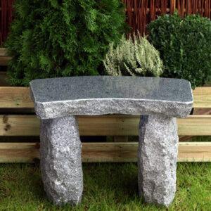 Minibænk i mørkegrå granit