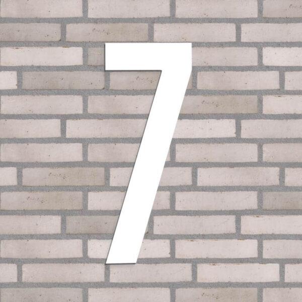 husnummer 7 i hvid 40 cm.