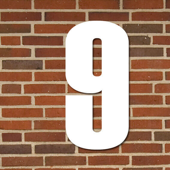 hvid husnummer #9