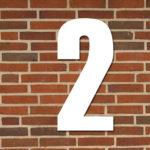 Husnummer 2 hvid