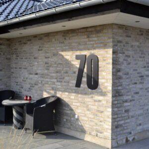 Husnummer 70 cm sort