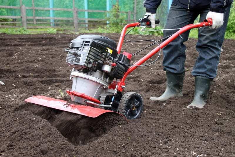 Grubning og fræsning af græsplæne