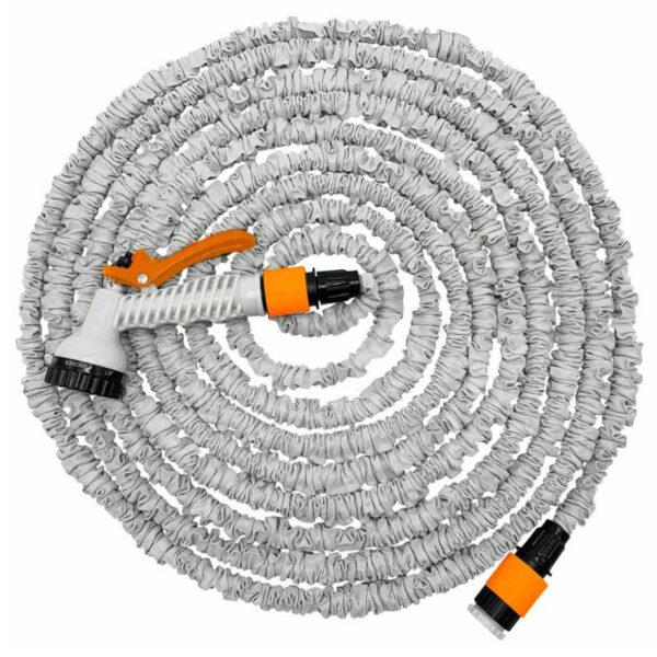 hvid flexvandslange med orange tilkobling og spøjtepistol