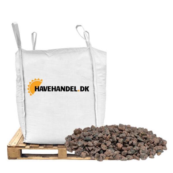 røde granitskærver i størrelsen 8-16 mm. fra havehandel.dk
